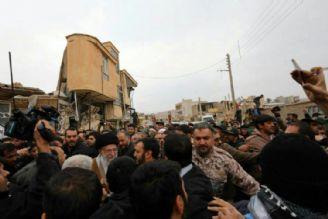 حضرت آیت الله خامنه ای برای بازدید از مناطق زلزله زده در کرمانشاه حضور یافتند.