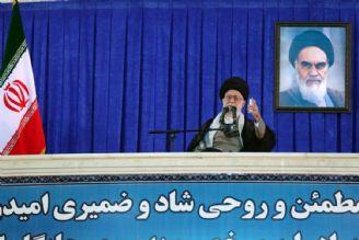 امام خمینی (ره)؛ شخصیت مؤمن متعبّد انقلابی