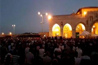 برگزاری نماز باشکوه مغرب و عشاء پس از شکست محاصره مسجدالاقصی